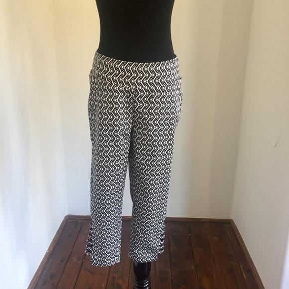 131ca3f8e4904 VENUS Pants | Black And White Pattern Capris | Poshmark